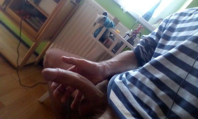 pervers seznamka ruka v kunde