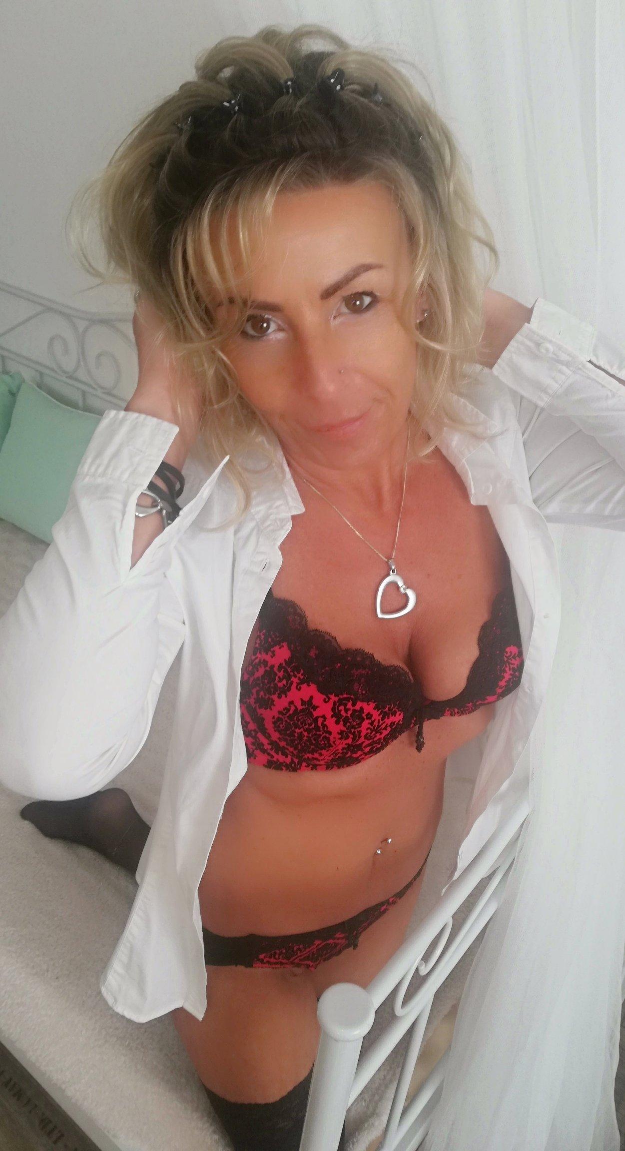 hanka servis freevideo erotika