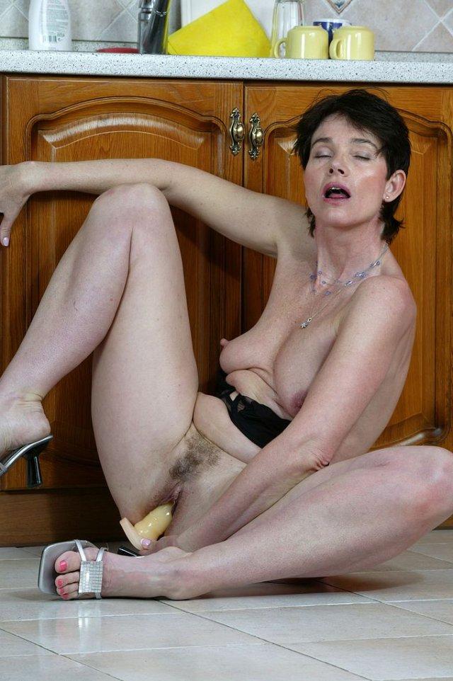 markéta hrubešová erotika brno